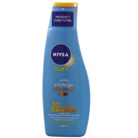 Nivea leche solar 200 ml. Protección 20. Protege y Broncea.